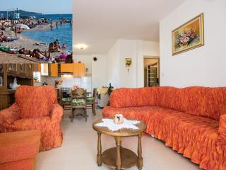 APARTMENT DODA - 200 M FROM THE BEACH - Fazana vacation rentals