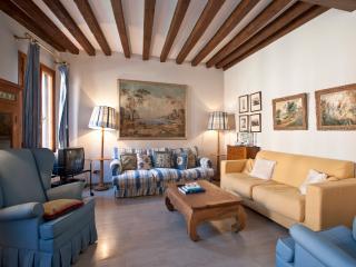 Fondamenta Rio della Tana Two Bedrooms/Bathrooms - Venice vacation rentals