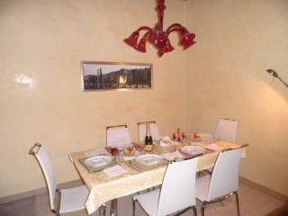 CA' DELLE MASCHERE (Rialto Bridge) - Venice vacation rentals