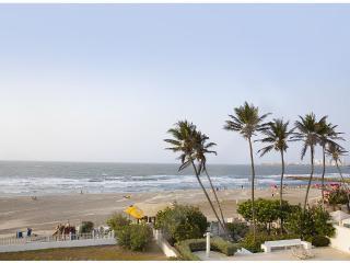 Amazing Oceanfront 3-bedroom Apartment Cartagena - Cartagena vacation rentals