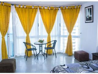Luxurious Sea and Lake 2-bedroom Apartment - Cartagena District vacation rentals