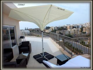 Corner Penthouse in St.Julians with City Views - Saint Julian's vacation rentals