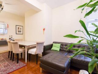 Big 1 bdrm flat: fully furnished wifi/+location! - Hong Kong vacation rentals