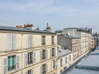 Cozy Vacation Stay in Paris at Montmartre - Paris vacation rentals