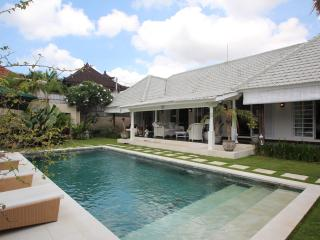 Karina Luxury 3 BR 10 mins from central seminyak - Canggu vacation rentals