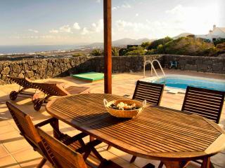 Casa Las Vistas, Sea Views and swimming pool - Lanzarote vacation rentals