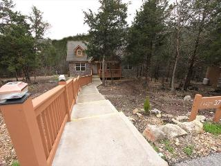 Lazy Pines Lodge- 2 Bedroom, 2 Bath, Pet Friendly Stonebridge Cabin - Branson West vacation rentals
