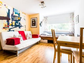 33 one-roomed accomodation in Cologne Höhenberg - Cologne vacation rentals