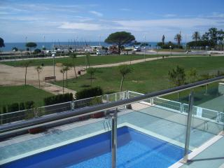 Luxury three bedroom penthouse on Cambrils beach. - Cambrils vacation rentals
