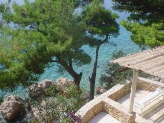 Seaside Apartment with big terrace, Omiš, Croatia - Komiza vacation rentals