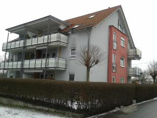 Vacation Apartment in Uhldingen-Mühlhofen - 1023 sqft, 2 bedrooms, max. 4 People (# 7390) - Allensbach vacation rentals