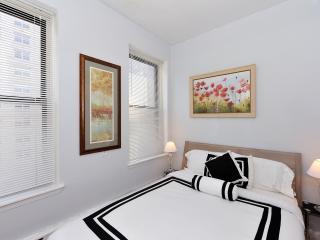 Lovely Upper East Side 3 bedroom apartment - Manhattan vacation rentals