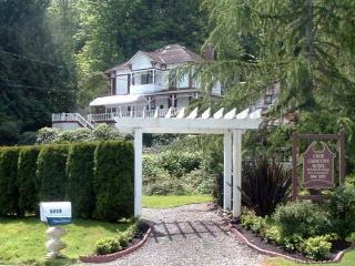 THE OLDE GLENCOVE HOTEL* A VACATION RENTAL PLACE - Lakebay vacation rentals