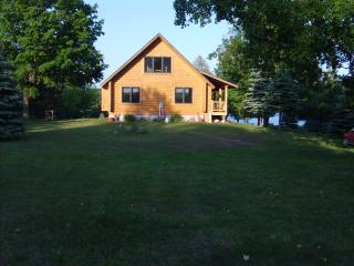 Log home on the Lake. - Charlevoix vacation rentals