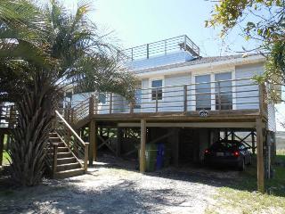 Fi Fi's Fabulous Folly - Folly Beach, SC - 4 Beds BATHS: 2 Full - Folly Beach vacation rentals