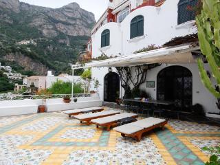 Enchanting villa in the heart of Positano, 2 minute walk from the beach. HII GIU - Montepertuso vacation rentals