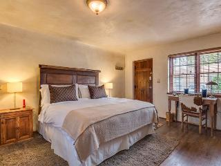 Casita Amor - luxury studio just a short walk to the Plaza and Canyon Rd - Santa Fe vacation rentals