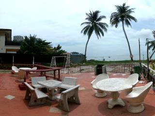 Hollywood Beach Bungalow Stay - Penang vacation rentals