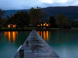 AMAZING PROPERTY DIRECT ACCESS TO LAKE ANNECY 15p - Talloires vacation rentals