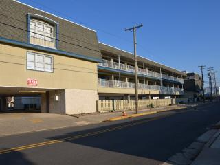 875 Plymouth Pl. Unit 23 - 2nd Floor - Ocean City vacation rentals