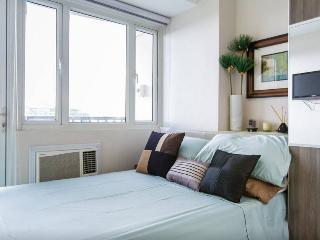 Bay View Condo at SoleMare Parksuite - Philippines vacation rentals