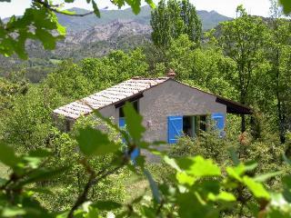 Maisonnette indépendente en campagne tranquille - Veynes vacation rentals