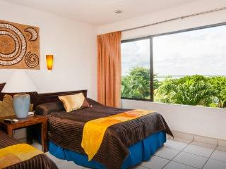 Cancun Condo Lagoon View Hotel Zone - Cancun vacation rentals