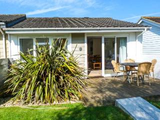 CAPE A8, ground floor, open plan, WiFi, fantastic facilities, near beach, Yarmouth, Ref. 922474 - Isle of Wight vacation rentals