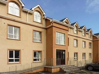 ATLANTIC POINT, first floor apartment, en-suite, open plan living area, in Bundoran, Ref 923196 - Bundoran vacation rentals