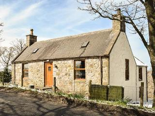 BUTTERMERE COTTAGE, stone detached cottage with WiFi, en-suite facility, private garden, good touring base near Banff, Ref 92281 - Gardenstown vacation rentals