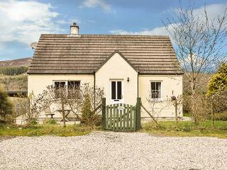 COSY COTTAGE, detached bungalow, open fire, pet-friendly, near Cannich and Inverness, Ref 924176 - Contin vacation rentals