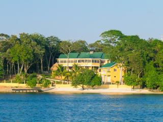 Casa de Admirada - Bay Islands Honduras vacation rentals