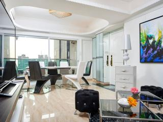 TickTock!LUXE PENTHOUSE SEAVIEW KOWLOON 4bed/3bath - Hong Kong Region vacation rentals