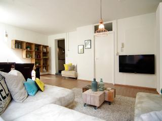 Amazing two floors at Leidsesquare - North Holland vacation rentals
