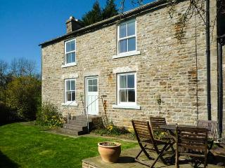 WEST HOUSE, family friendly, character holiday cottage, with a garden in Middleton-In-Teesdale, Ref 2040 - Middleton in Teesdale vacation rentals