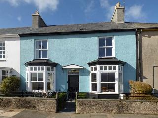 GLANDWR, terraced cottage with sea views, Smart TV, enclosed gardens, in Borth-y-Gest, Ref 25025 - Gwynedd- Snowdonia vacation rentals