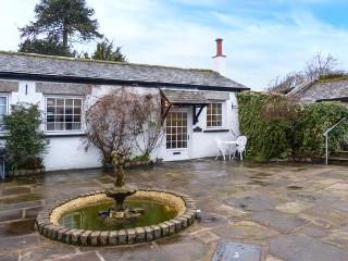DRAKES COTTAGE, pet-friendly, single-storey cottage with woodburner, courtyard, near Cartmel, Ref 25044 - Cartmel vacation rentals