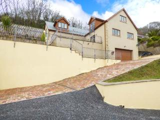 CLEAR VIEW, wonderful views, Juliet balconies, parking, raised patio areas, in Pendine, Ref 906685 - Pendine vacation rentals