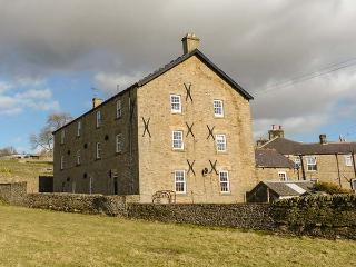 THE GRANARY, ground floor, open plan living area, parking, in Middleton-in-Teesdale, Ref 914806 - County Durham vacation rentals
