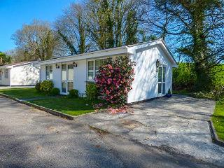 NO. 1 THE HEATHERS, holiday bungalow, close to moors, fishing nearby, near Liskeard, Ref 921299 - Liskeard vacation rentals
