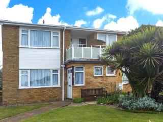 2 KINGSWAY COURT, detached, enclosed lawned garden, pet-friendly, shops and pubs within walking distance, in Seaford, Ref 922780 - East Sussex vacation rentals