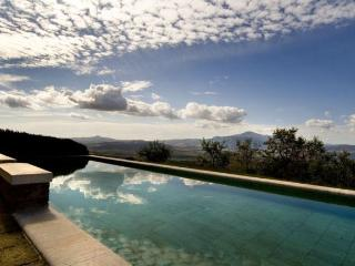 Lovely Villa in Tuscany with Spectacular Views - Positano vacation rentals
