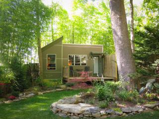 Asheville downtown Micro House in Hidden Garden - Asheville vacation rentals