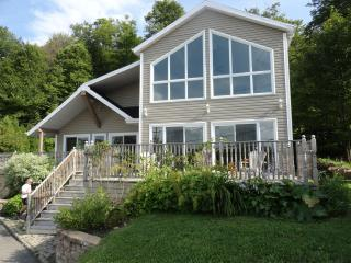 Quebec Lakeside - Saint-Laurent-de-l'Ile-d'Orleans vacation rentals