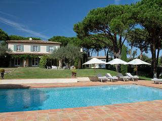 Great St Tropez Vacation Rental, 5 Minute Walk to Les Moulins - ACV CAS - Saint-Maximin-la-Sainte-Baume vacation rentals