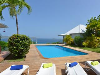 Very private and spectacular villa with excellent views of Lorient WV CAR - Lorient vacation rentals