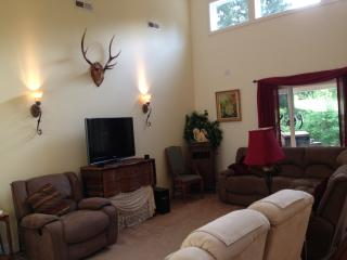 Beautiful Newer Home 10 miles from US Open 2015 ! - Puget Sound vacation rentals