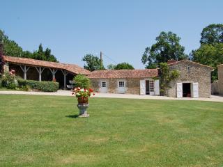 Maison Talmondaise - Moutiers-les-Mauxfaits vacation rentals