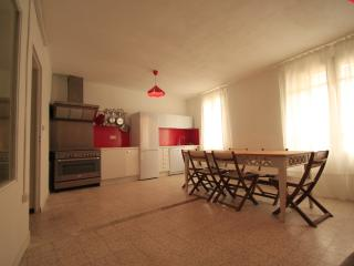 TIME TO LIFE 6 - Saint-Remy-de-Provence vacation rentals