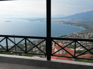 Εκπληκτικη θεα στον Μεσσηνιακο κολπο - Kalamata vacation rentals